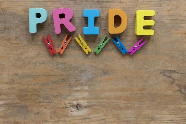 Palavra de orgulho com ganchos