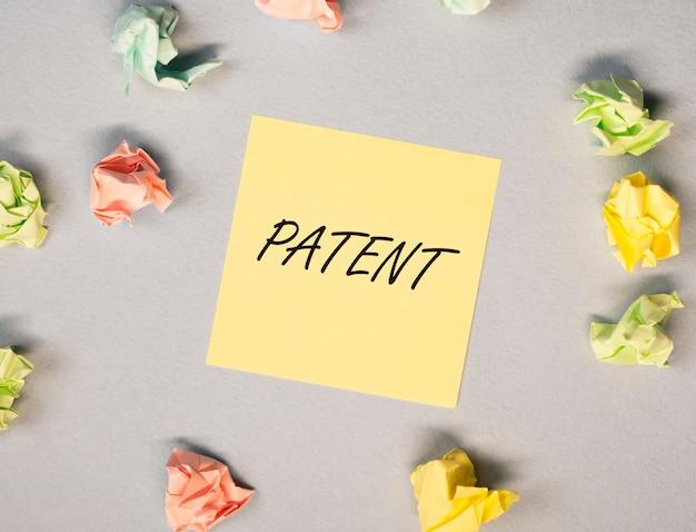 Palavra de patente autor de direitos autorais e conceito de direitos protegidos