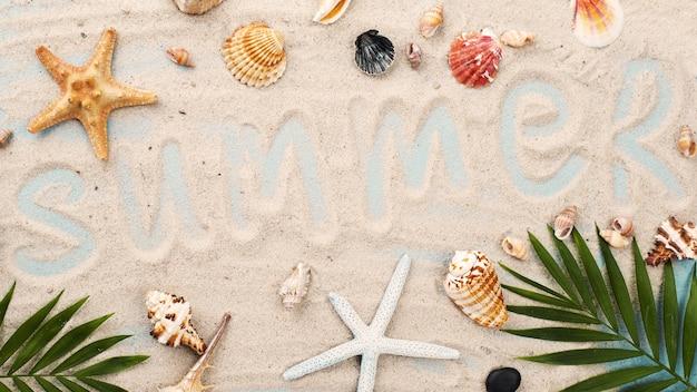 Palavra de verão na areia