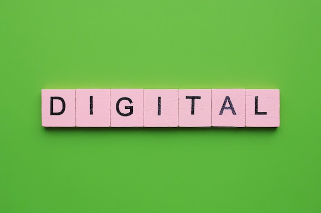 Palavra digital em fundo verde