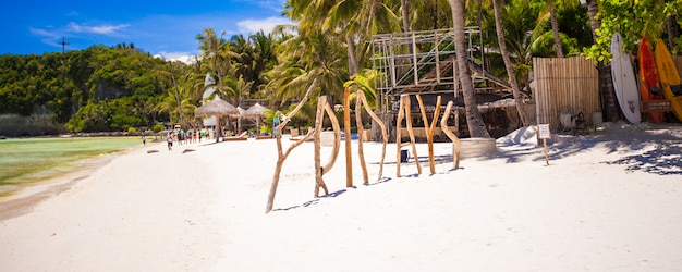 Palavra sexta-feira de madeira na ilha de boracay