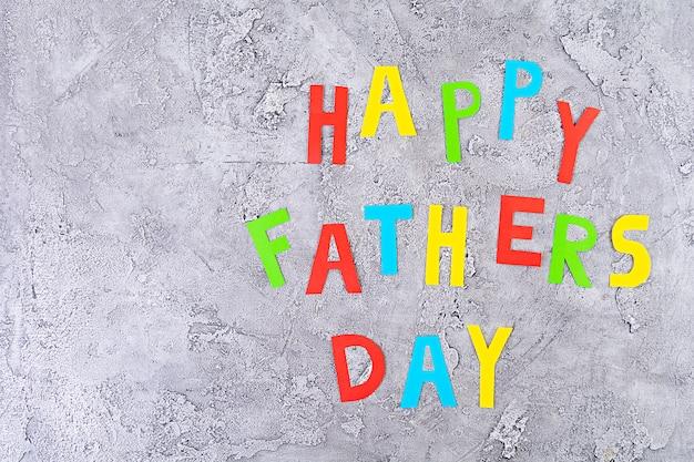 Palavras de papel colorido. feliz dia dos pais