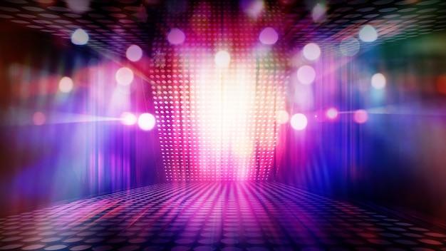 Palco de teatro vazio turvo com holofotes coloridos divertidos, imagem abstrata de fundo de iluminação de concerto
