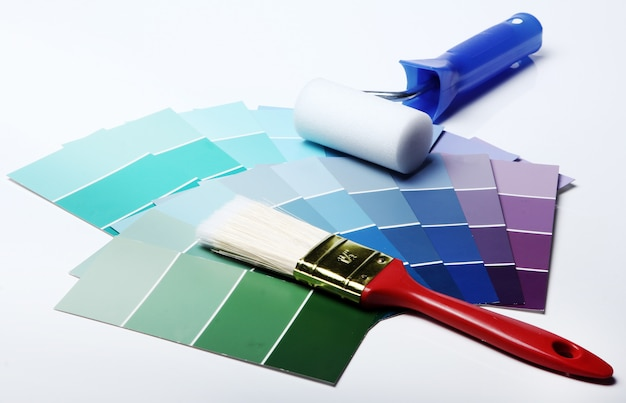 Paleta de cores, catálogo ou esquema e rolo