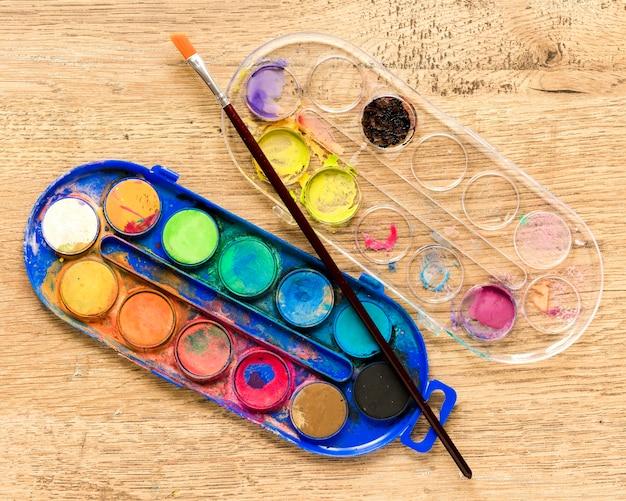 Paleta de cores com pincel