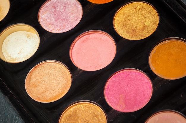 Paleta de maquiagem colorida para maquiagem