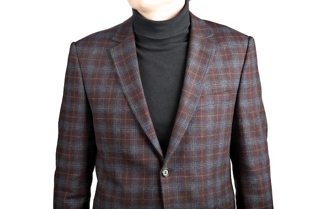 Paletó masculino de lã marrom xadrez, imagem isolada no fundo branco, paletó xadrez