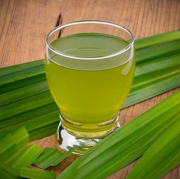 Pandan juice e pandan leaves