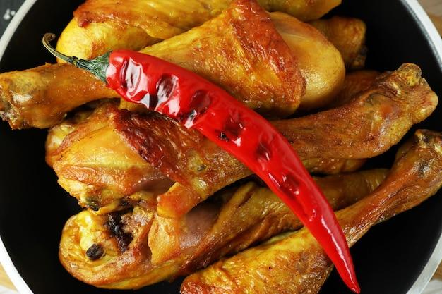 Panela de coxinhas de frango assado