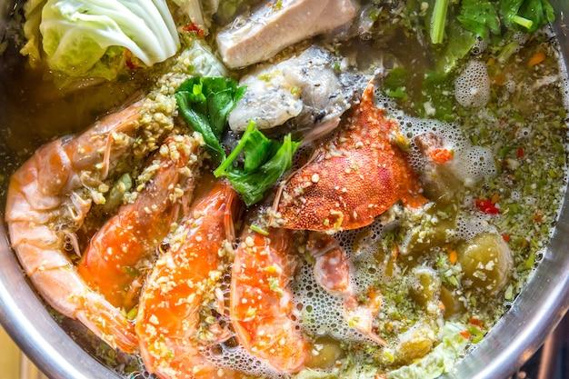 Panela quente de frutos do mar