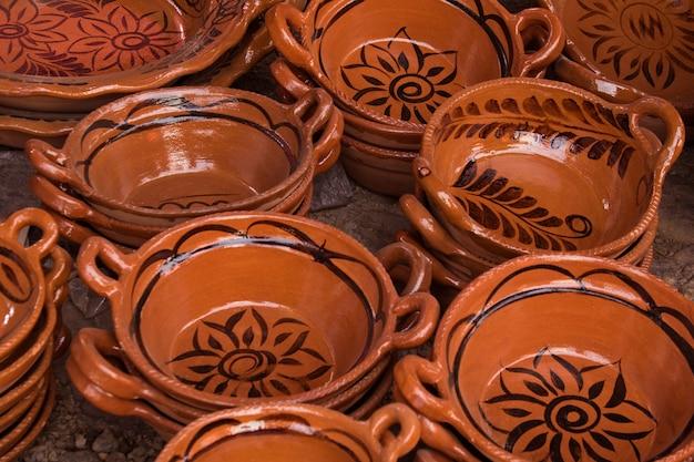 Panelas de barro mexicano tradicional