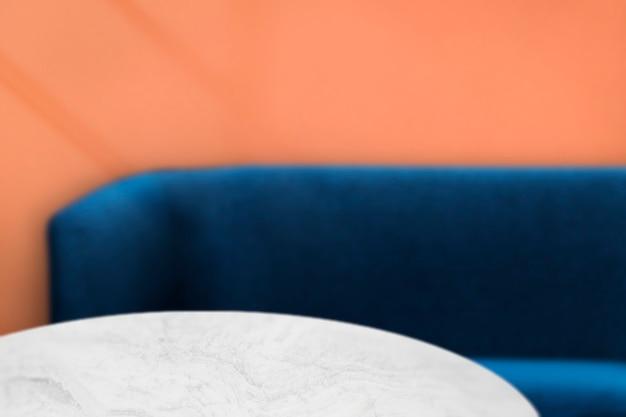Pano de fundo, sofá e mesa de produtos de café