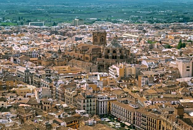 Panorama aéreo de granada com a catedral