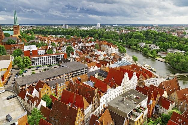 Panorama da cidade alemã de lubeck