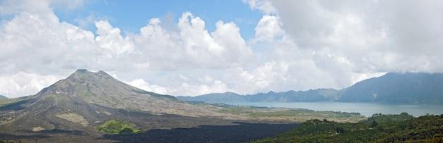 Panorama da paisagem do vulcão batur