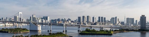 Panorama da ponte de arco-íris da torre de tóquio