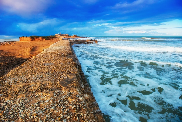 Panorama da primavera da cidade da costa do mar trapany. sicília, itália europa