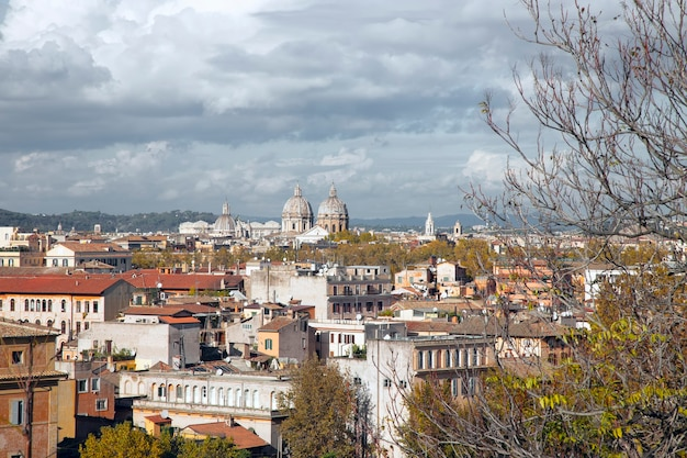 Panorama da roma a partir do monte aventino roma itália Foto Premium
