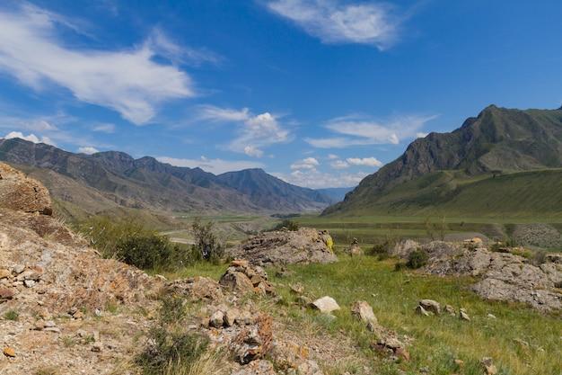Panorama das montanhas de altai