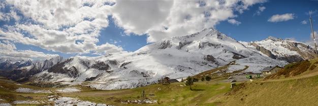 Panorama das montanhas dos pirinéus franceses, col du soulor