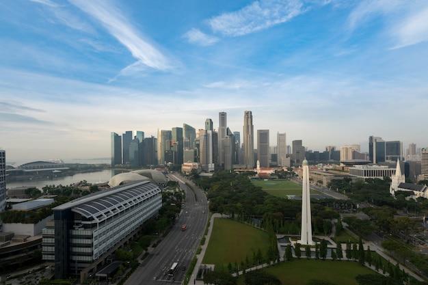 Panorama do horizonte de distrito de negócios de singapura
