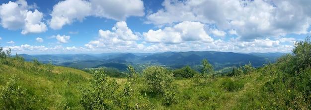 Panorama do mountain view no horário de verão.