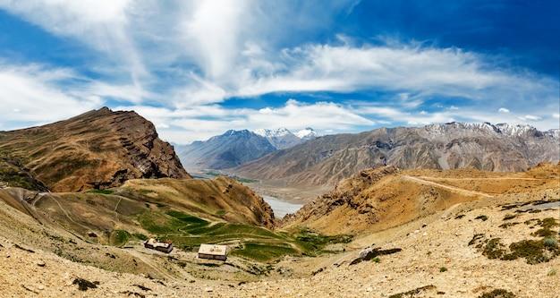 Panorama do vale de spiti no himalaia
