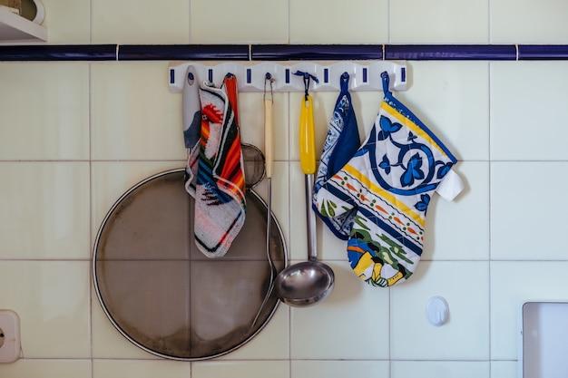 Panos e utensílios de cozinha
