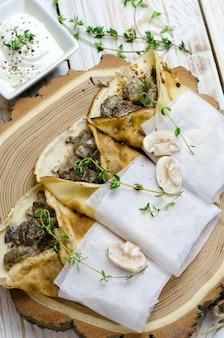 Panquecas com cogumelos e tomilho