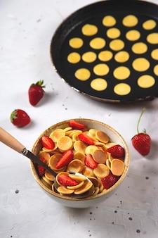Panquecas de cereais caseiros refeição criativa.