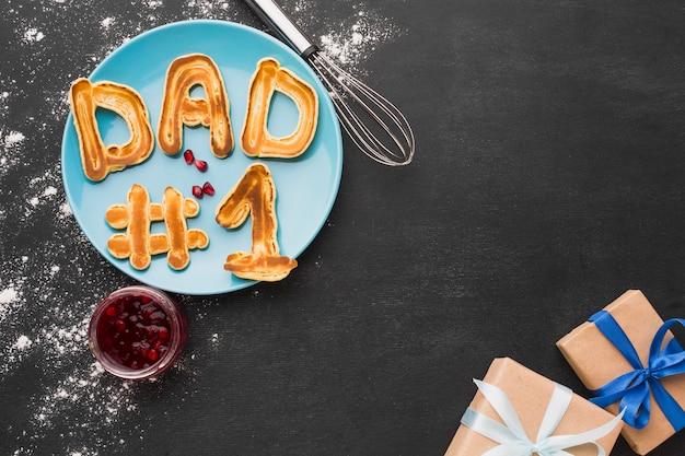 Panquecas e presentes para o dia dos pais