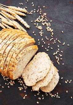 Pão com espigas de trigo