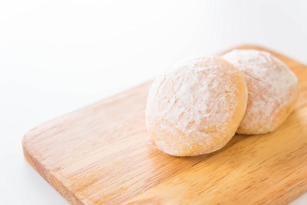 Pão com manteiga fresca