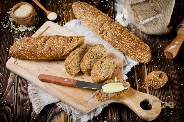 Pão com sementes de gergelim