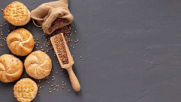 Pão com sementes e copie o espaço