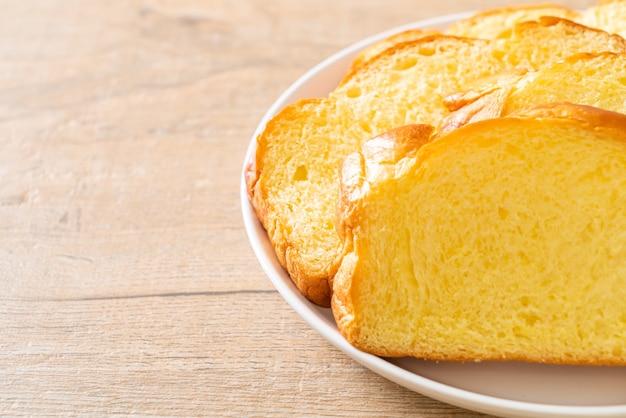 Pão de batata doce com café no café da manhã