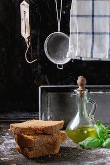 Pão de centeio caseiro fatiado
