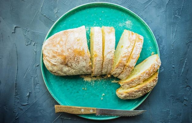 Pão de ciabatta cozido fresco