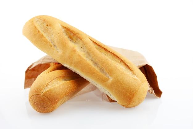 Pão de dois pães isolado no fundo branco