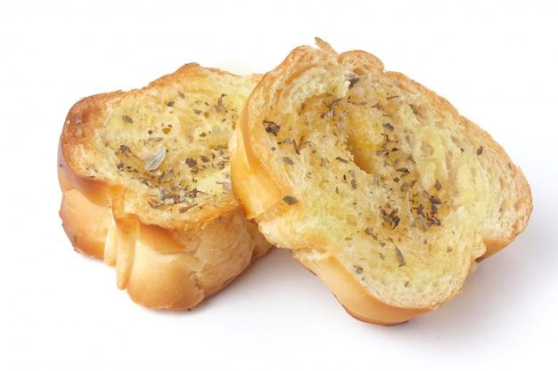 Pão de ervas torrado caseiro fatiado isolado