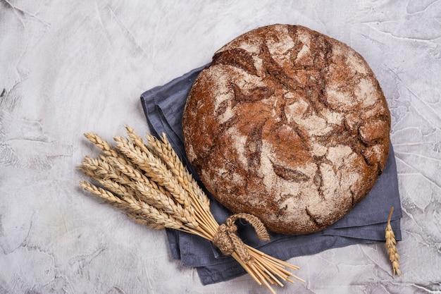 Pão de fermento redondo