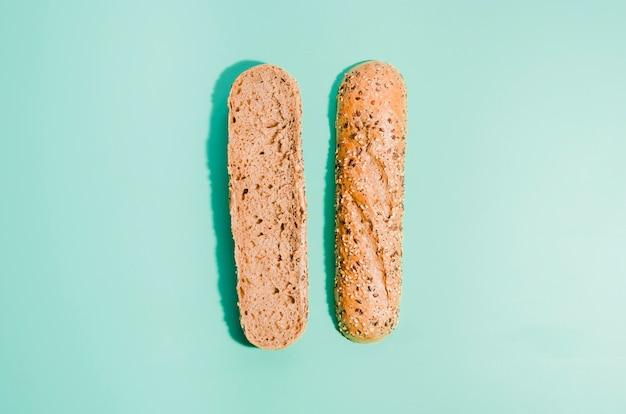 Pão de forma com fundo de cor