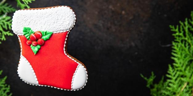 Pão de gengibre, biscoitos pintados à mão, cartão de natal, ano novo, doces caseiros, sobremesa