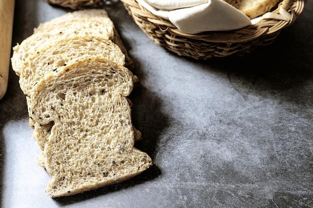 Pão de grão antigo caseiro orgânico