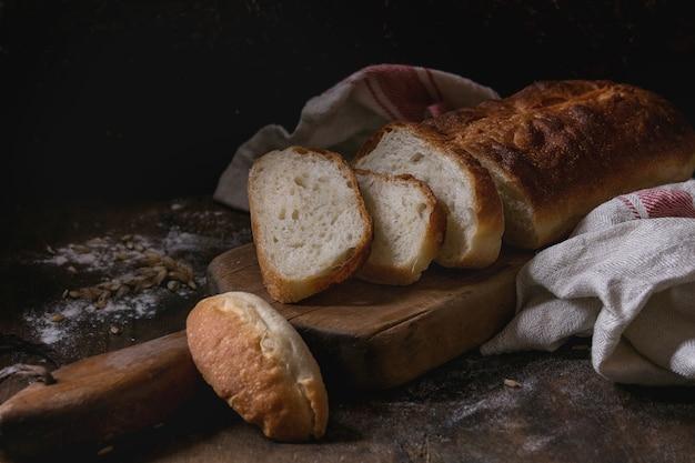 Pão de trigo branco caseiro