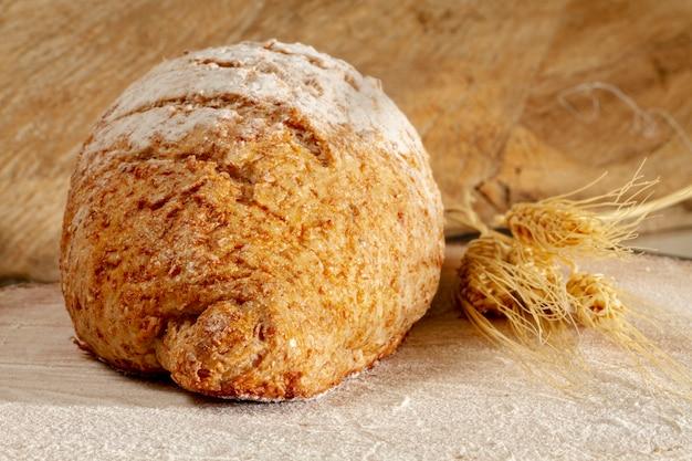 Pão de vista frontal com trigo