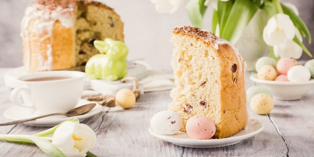 Pão doce ortodoxo da páscoa