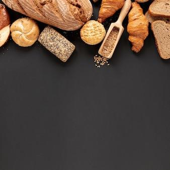 Pão e sementes com espaço de cópia