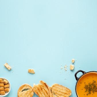 Pão e sopa caseira plana