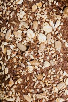 Pão extremo close-up com sementes